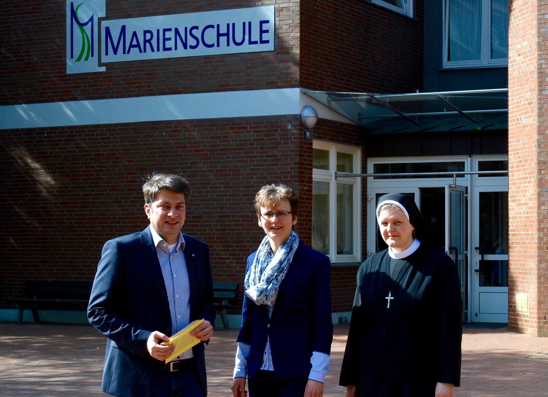 2016: Besuch in der katholischen Marienschule Schwagstorf (Fürstenau).