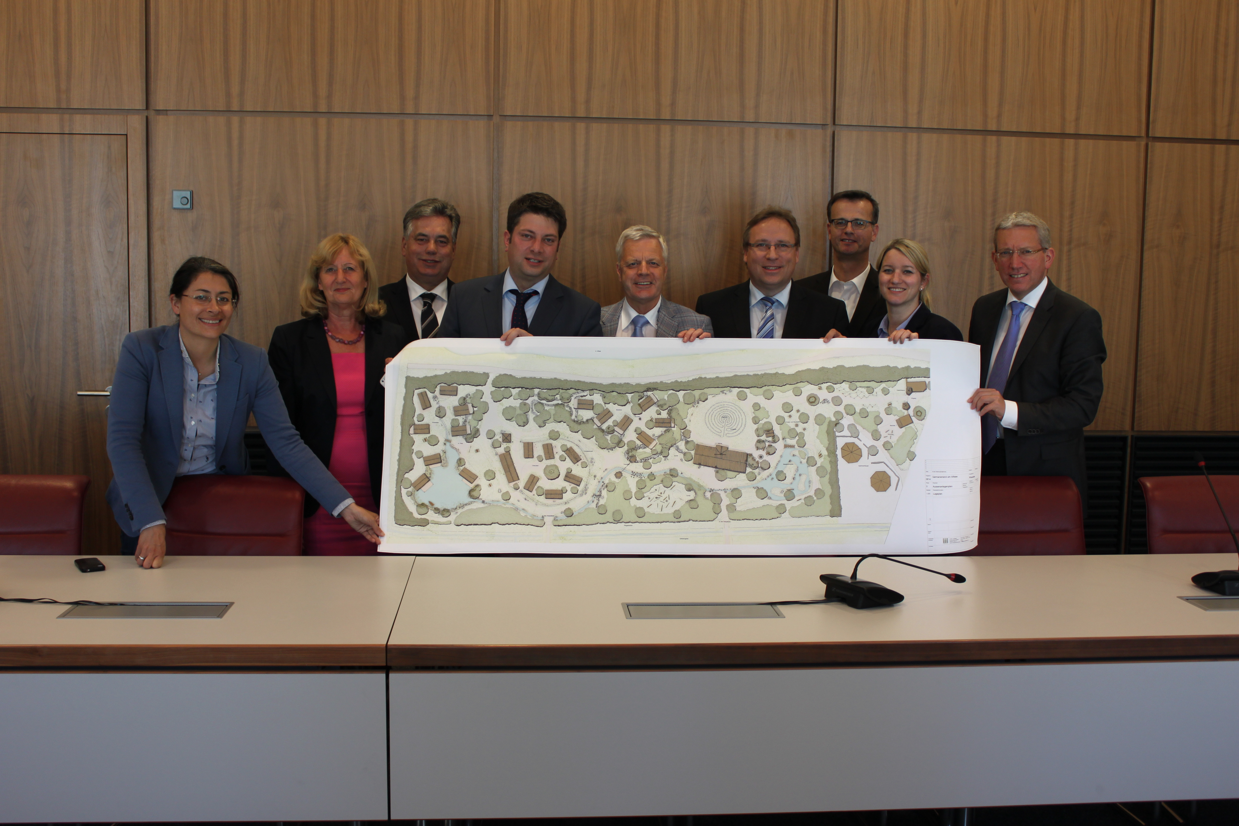 Information der regionalen MdL zur Neuausrichtung der Aufsehe GmbH durch die beiden Geschäftsführer Toni Harms und Dr. Horst Baier.