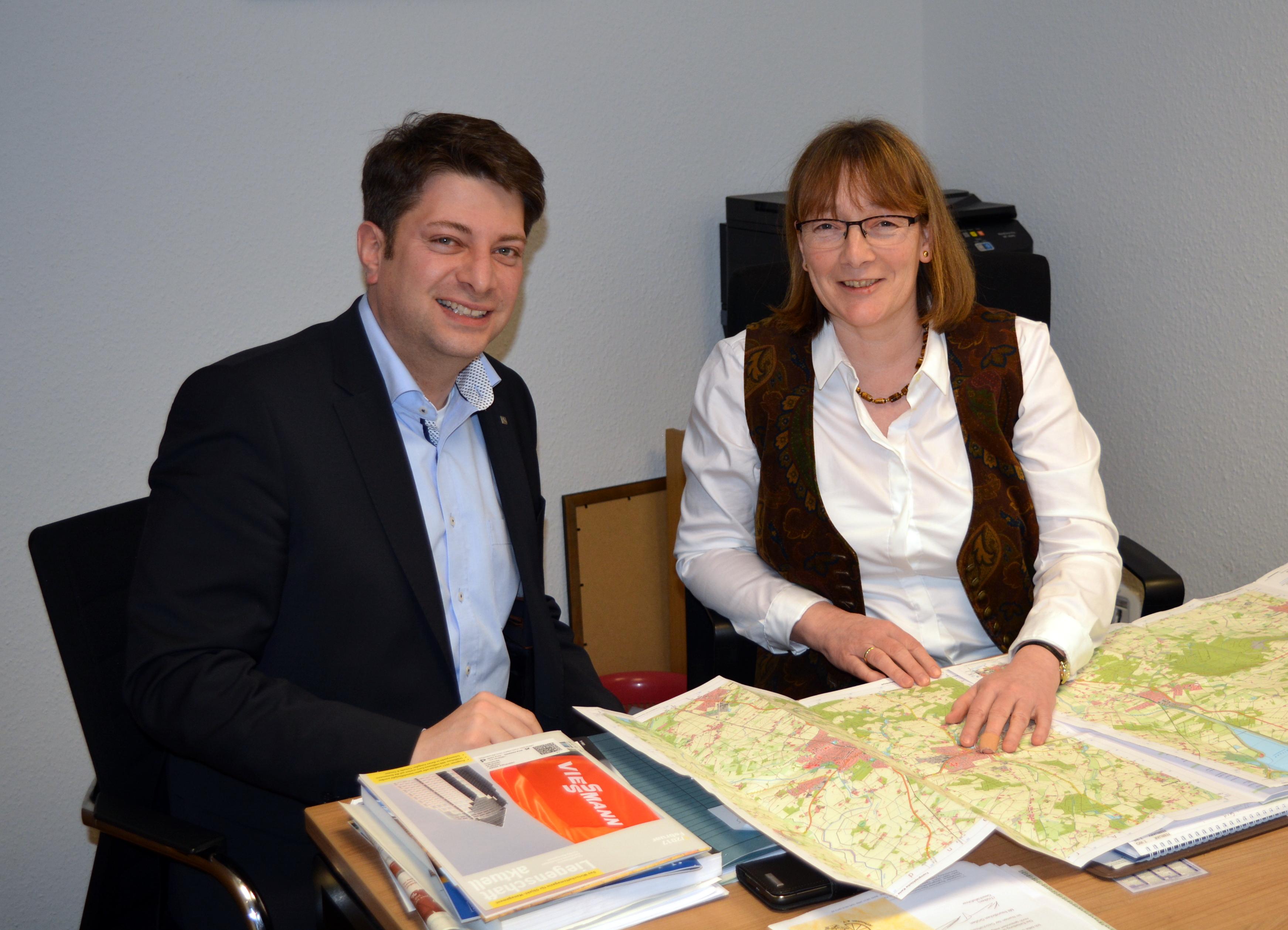 Antrittsbesuch bei Bürgermeisterin Agnes Droste: Der Landtagsabgeordnete Christian Calderone informierte sich über die kommunale Agenda im Infrastrukturbereich. Foto: CDU