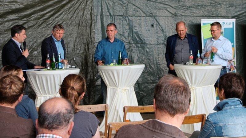Politiker von CDU, FDP, Bündnis 90/Die Grünen und SPD standen bei der Podiumsdiskussion Rede und Antwort.