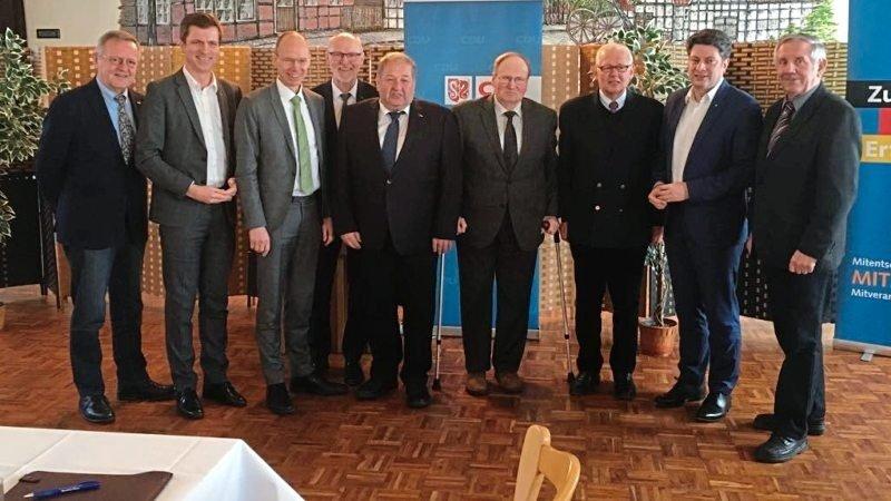 Blickten zurück und nach vorne: Dietrich Keck (von links), André Berghegger, Michael Lübbersmann, Dirk Kopmeyer, Hans Heile, Klaus Husmann, Reinhard von Schorlemer, Christian Calderone und Jürgen Kruse.