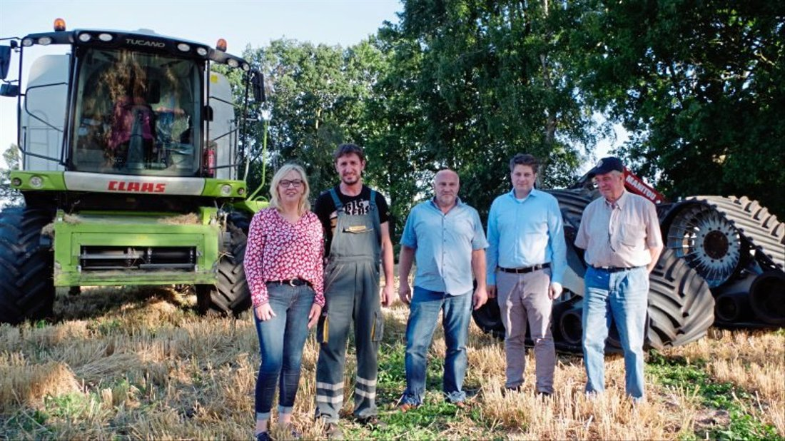 Über die Sondergenehmigung freuen sich (von links) Gaby und Wolfgang Schwingel, Rainer Duffe, Christian Calderone und Senior-Chef Norbert Schwingel.