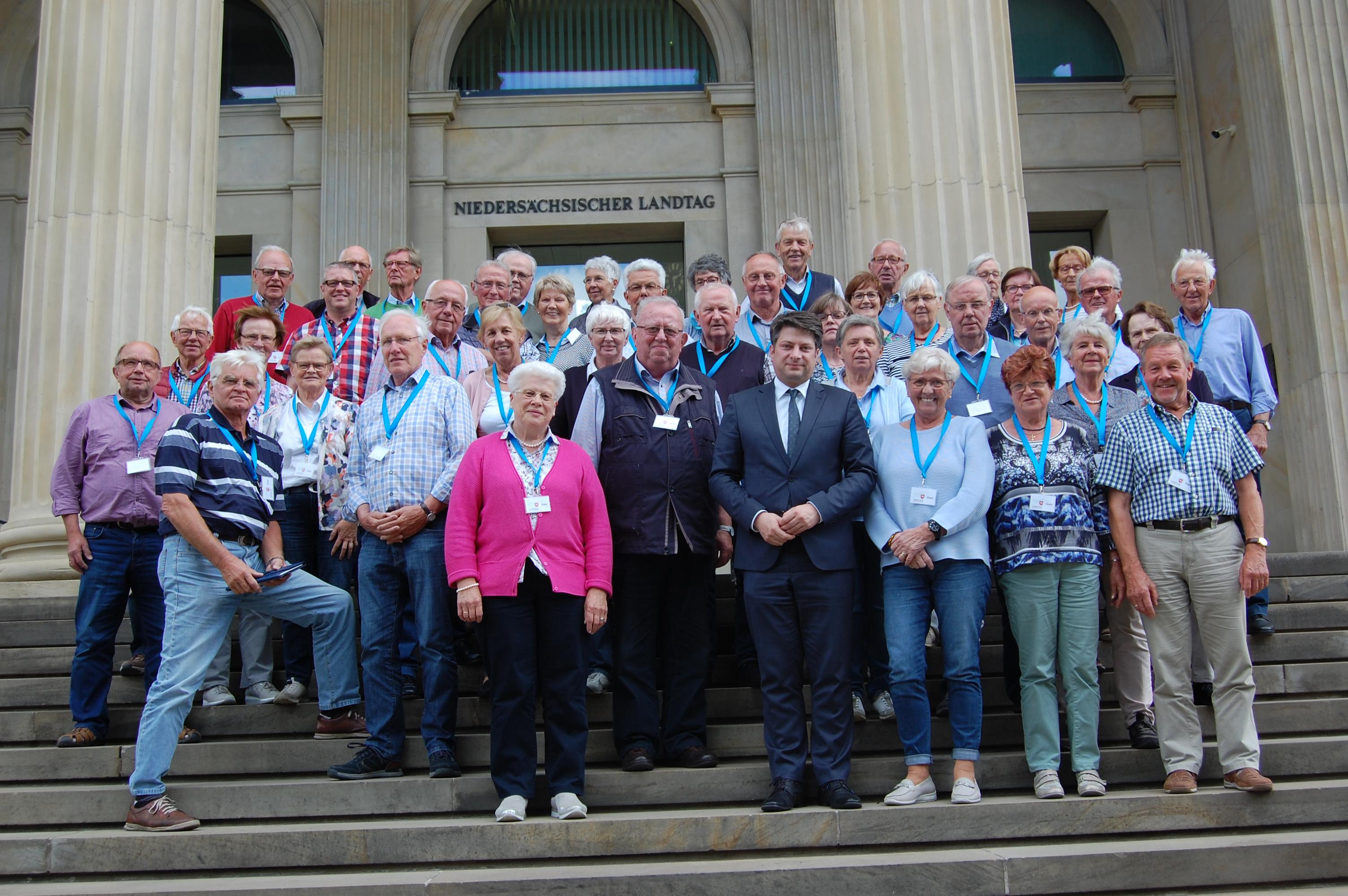 50 Kolpingschwestern und Kolpingbrüder besuchten auf Einladung des Landtagsabgeordneten und Kolpingbruders Christian Calderone die Landeshauptstadt Hannover.