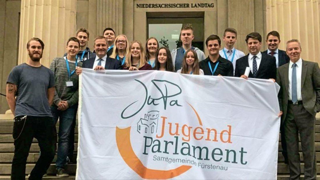 Spannende Erfahrungen gemacht: die Jugendparlamentarier aus Fürstenau zu Gast in Hannover.
