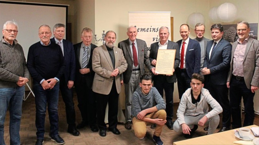 Auch zahlreiche Ehrengäste und zwei Flüchtlinge nahmen an der Preisverleihung im Nortruper Heimathaus teil.