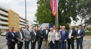 Gruppenfoto der CDU-Landtagsabgeordneten vor der Handwerkskammer in Osnabrück.