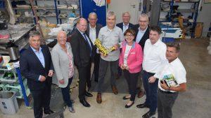 Einblicke in die Arbeit der Orthopädietechnik gab Geschäftsführer Bert Lange (Mitte) den CDU-Landtagsabgeordneten während ihres Besuch bei der Firma RAS.
