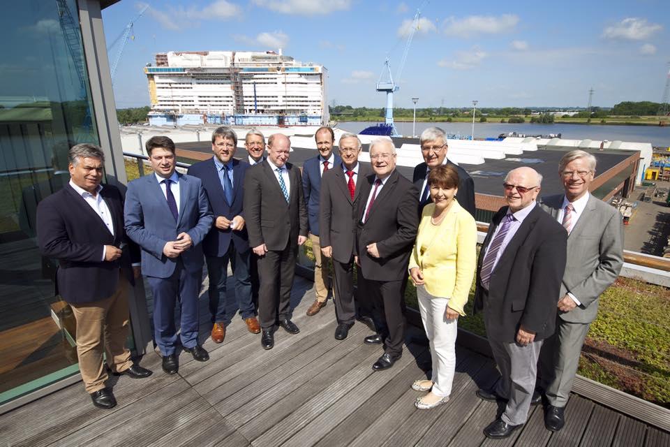 Im Sommer 2015 hatten wir im Rahmen eines Gespräches mit der Geschäftsführung der Meyer-Werft Papenburg einen starken Überblick über das Werftgelände. (Foto: NOZ)