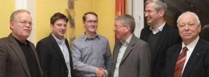 Glückwünsche für den neuen CDU-Ortsverbandsvorsitzenden Martin Kahlert. Unser Foto zeigt (von links) Vorgänger Manfred Motzek, den CDU-Kreisvorsitzenden Christian Calderone, Martin Kahlert, das CDU-Landtagsmitglied Martin Bäumer, den Bundestagsabgeordneten Mathias Middelberg sowie den Alt-GMHütter Ehrenvorsitzenden Willi Frische im Alt-Georgsmarienhütter Kolpinghaus.