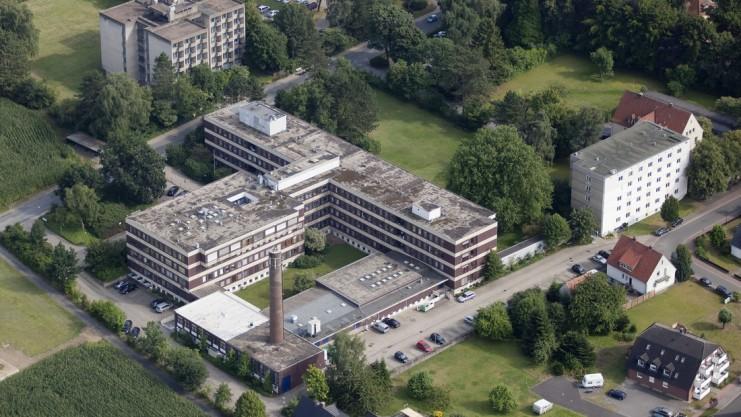 Das Dissener Krankenhaus ist einer der Klinik-Standorte im Osnabrücker Land, die momentan Gegenstand der Diskussion um eine mögliche Überversorgung an Planbetten sind. Foto: Gert Westdörp