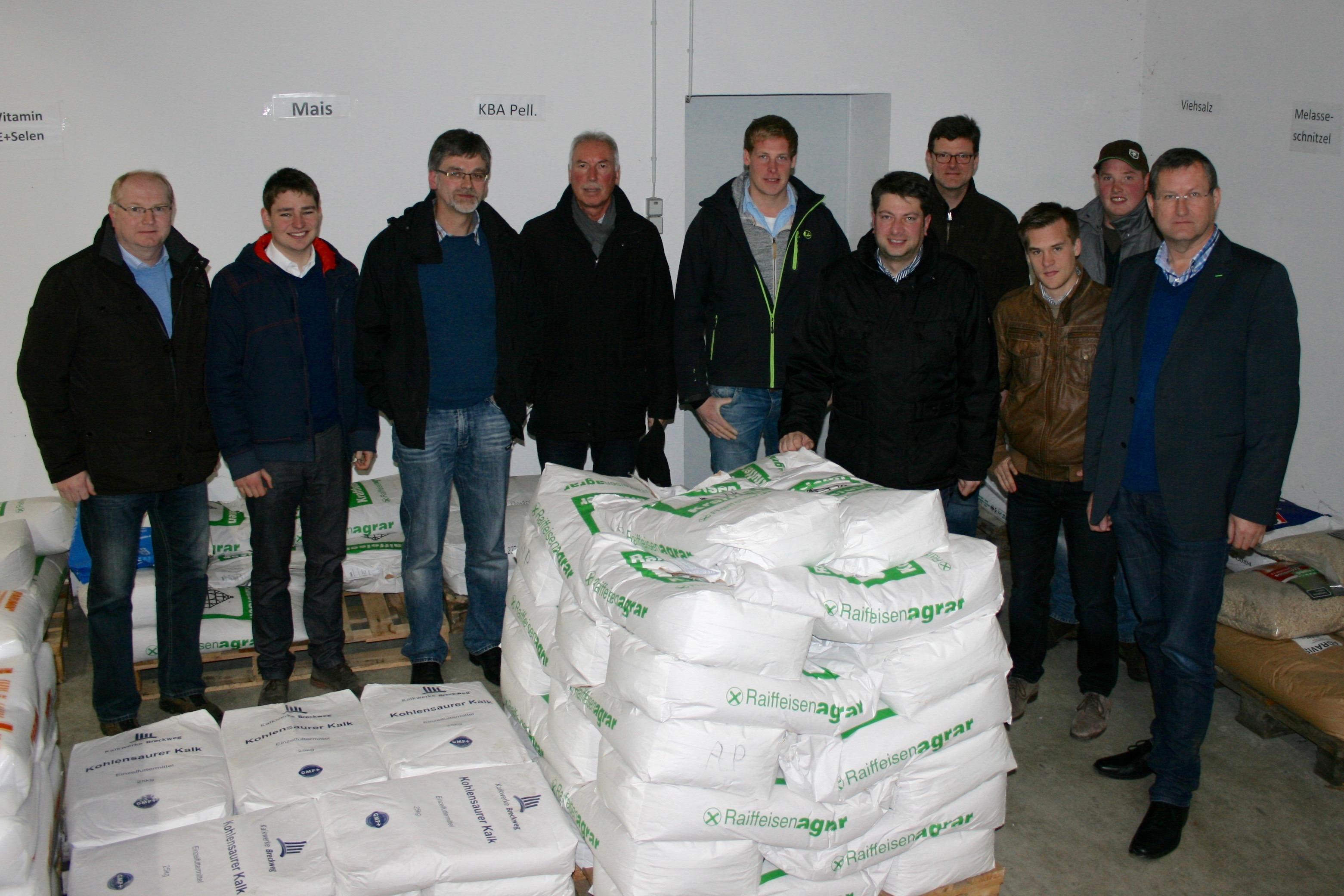 Information in Grafeld: Zusammen mit Vertretern der örtlichen und Samtgemeinde-CDU besuchte der Landtagsabgeordnete Calderone Grafeld. Foto: privat