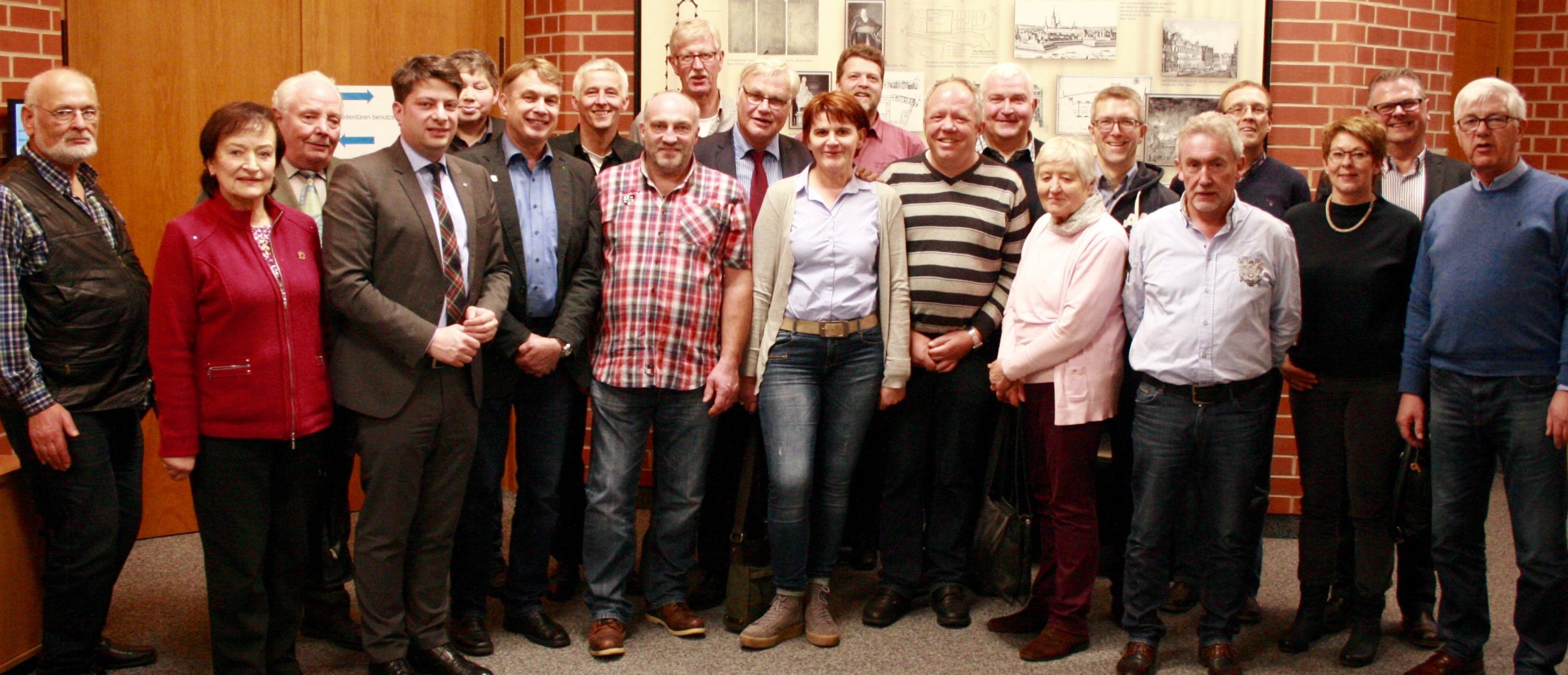 Besuch aus Südvechta im Landtag: Mitglieder der Gemeindeverbände Neuenkirchen i.O. und Vörden besuchten auf Einladung des örtlichen MdL das Landesparlament in Hannover.