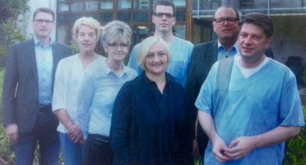 Ihnen ist das Wohl der Pflegebedürftigen wichtig: (von links) Stefan von Lehmen, Monika Wittmann, Monika Powell, Natalie Schwarz, Tobias Hartmann, Werner Westerkamp und Christian Calderone.