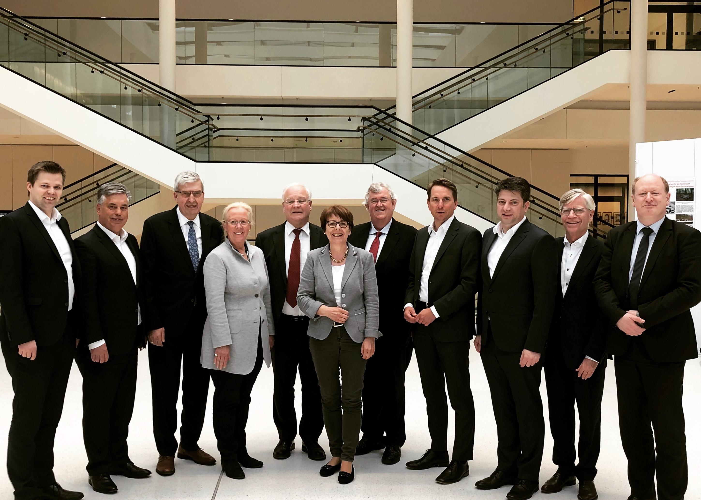 Turnusmäßiges Gespräch im Niedersächsischen Landtag zwischen den regionalen MdL der CDU und den Spitzen der IHK aus Stadt und Landkreis Osnabrück, Emsland und der Grafschaft Bentheim.