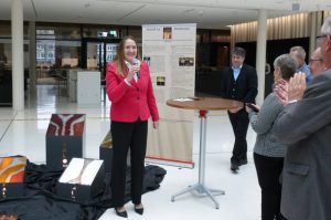 Vorstellung des Projektes Friedensskulptur; hier: Landtagspräsidentin Dr. Gabriele Andretta begrüßt die Gäste (©Nds. Landtag)